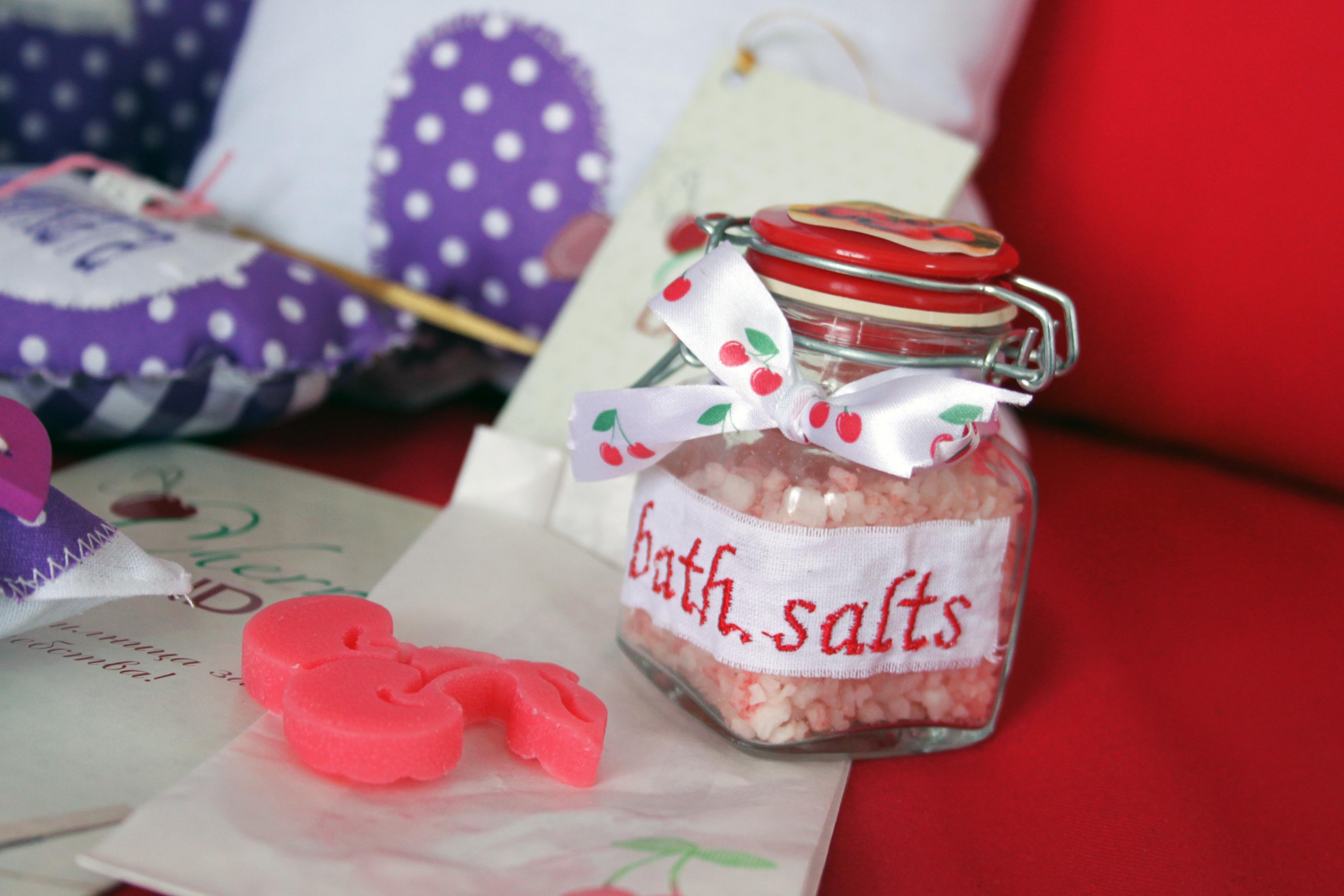 Кюстендил - череши и ръчно правени подаръци